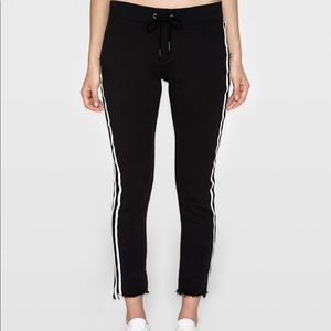 Pam&Gela STEP HEM CROP PANT W/FAUX LEATHER STRIPES
